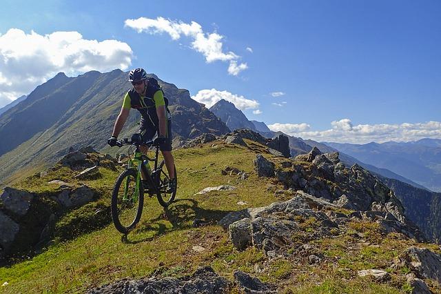 cykloturistika v horách.jpg