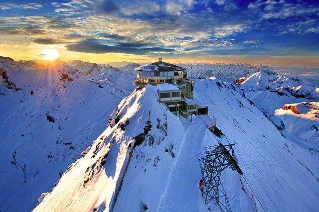 horní stanice švýcarsko.jpg
